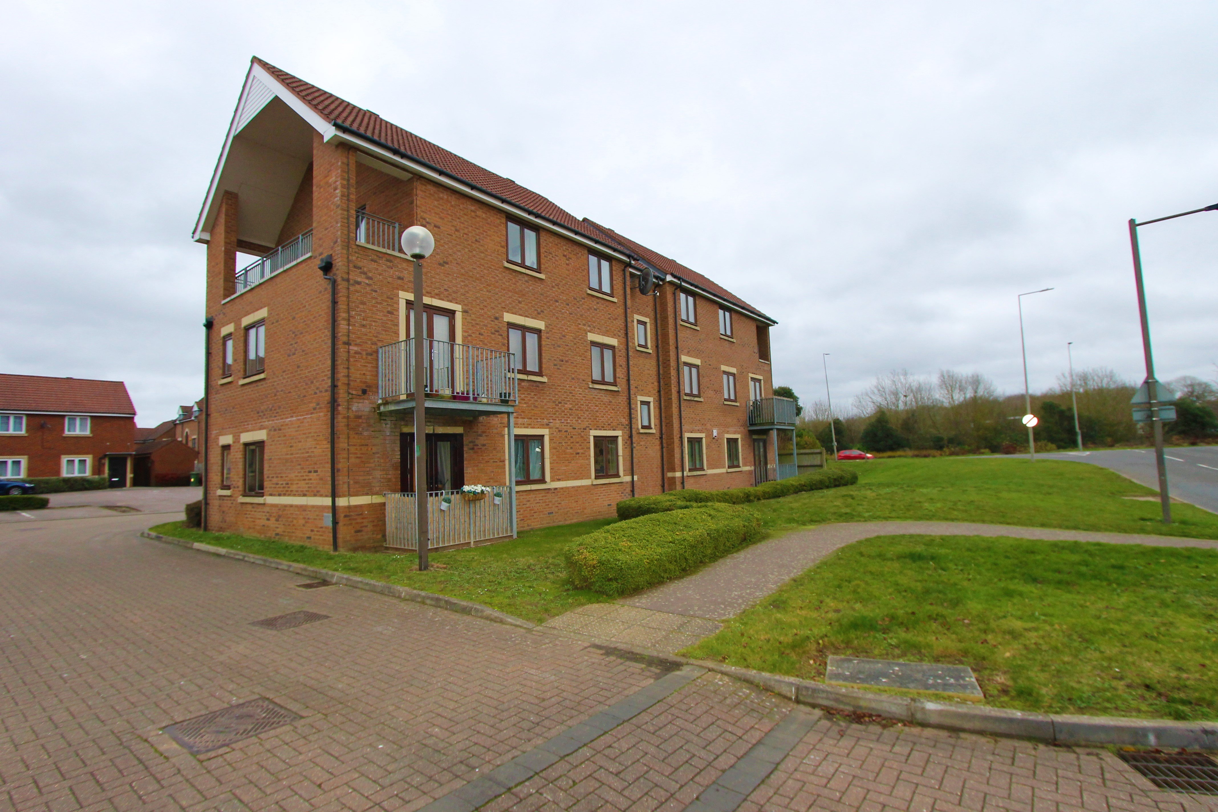 Heligan Place, Milton Keynes, Buckinghamshire Image