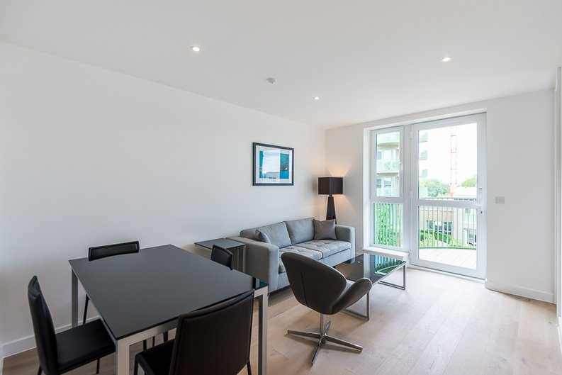 1 bedroom(s) apartment to sale in Maltby House, 2 Ottley Drive, London-image 4