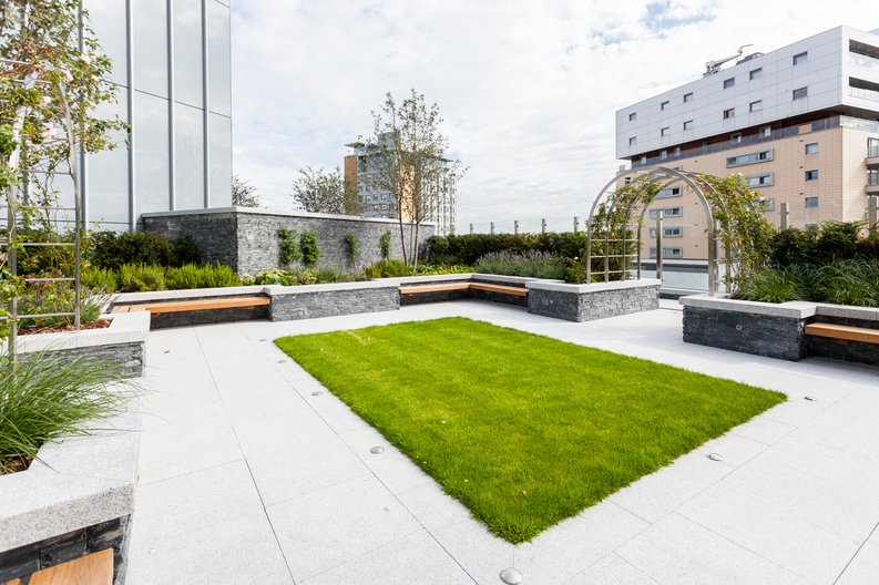 1 bedroom(s) apartment to sale in Piazza Walk, London-image 3