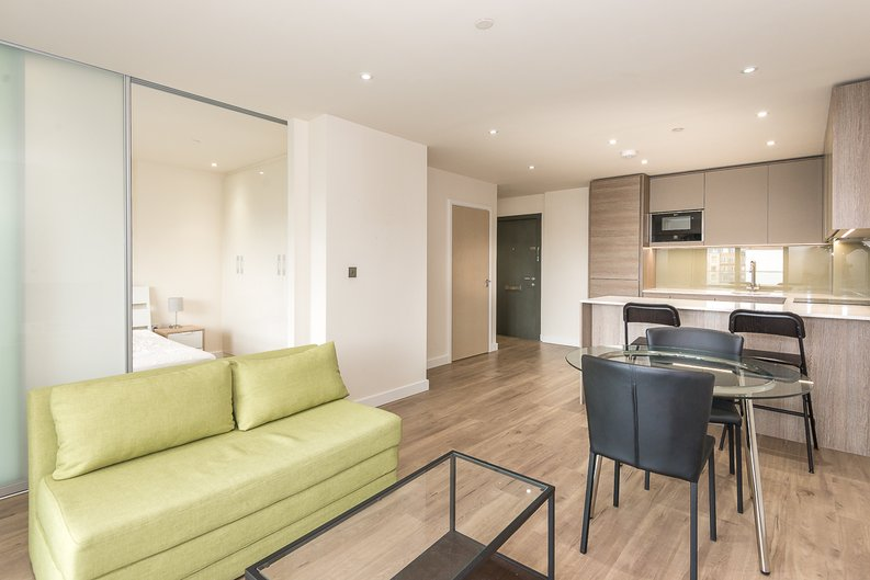 1 bedroom(s) apartment to sale in Argent House, 3 Beaufort Square, Beaufort Park, Colindale-image 1