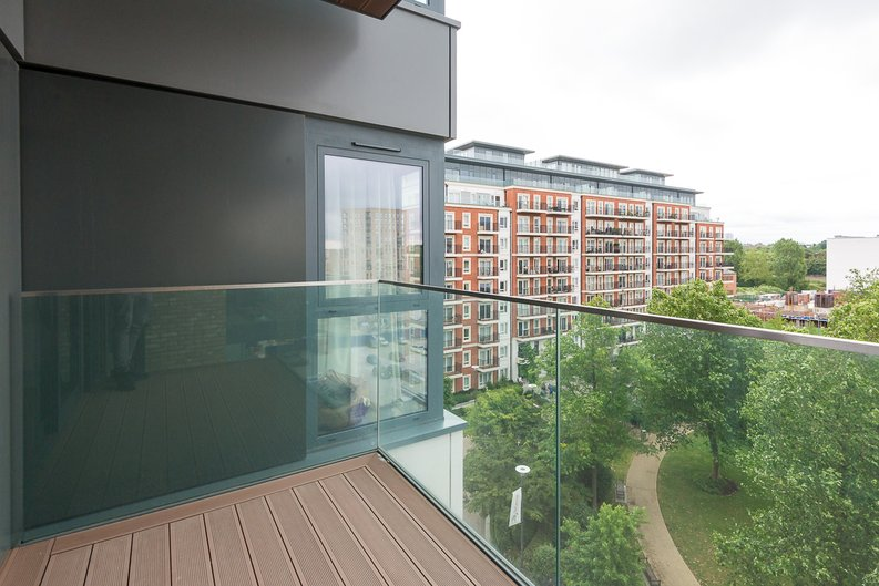 1 bedroom(s) apartment to sale in Argent House, 3 Beaufort Square, Beaufort Park, Colindale-image 8