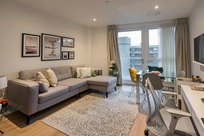 2 bedroom(s) apartment to sale in Montpellier House, Glenthorne Road, Hammersmith, London-image 1