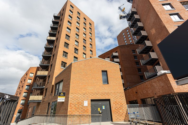 2 bedroom(s) apartment to sale in Gillender Street, Bow Creek-image 3