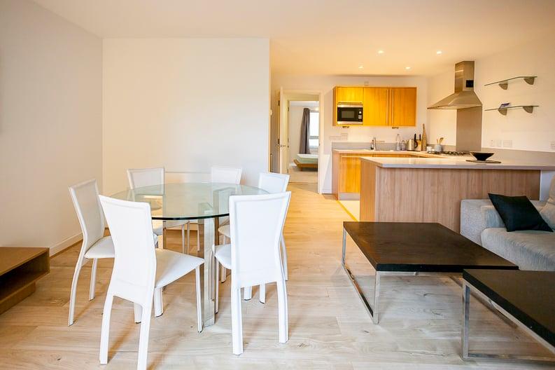 2 bedroom(s) apartment to sale in Eden Grove, Islington, London-image 7