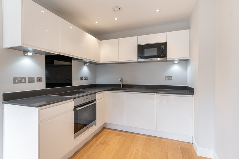 1 bedroom(s) apartment to sale in Iverson Road, West Hampstead, London-image 2