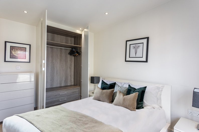 1 bedroom(s) apartment to sale in Carleton House, Boulevard Drive, Beaufort Park-image 9