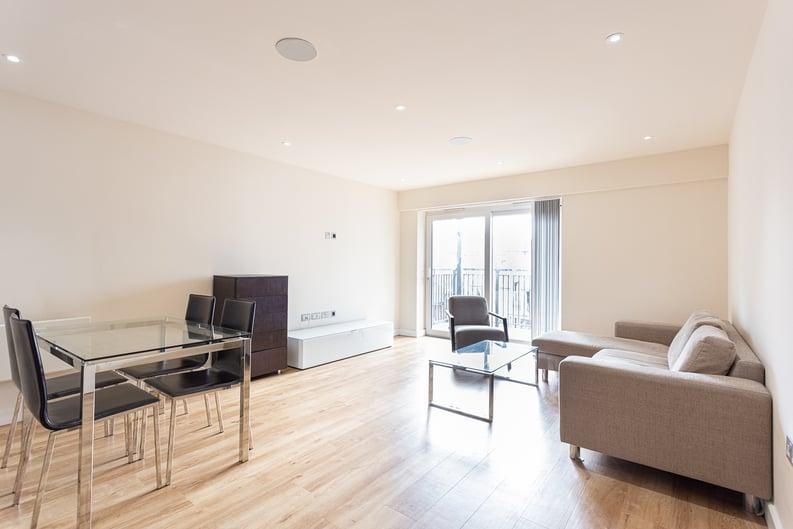 2 bedroom(s) apartment to sale in 22 Aerodrome Road, Beaufort Park-image 3