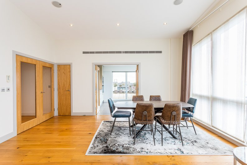 3 bedroom(s) apartment to sale in Croft House, Heritage Avenue, Beaufort Park, Colindale-image 3