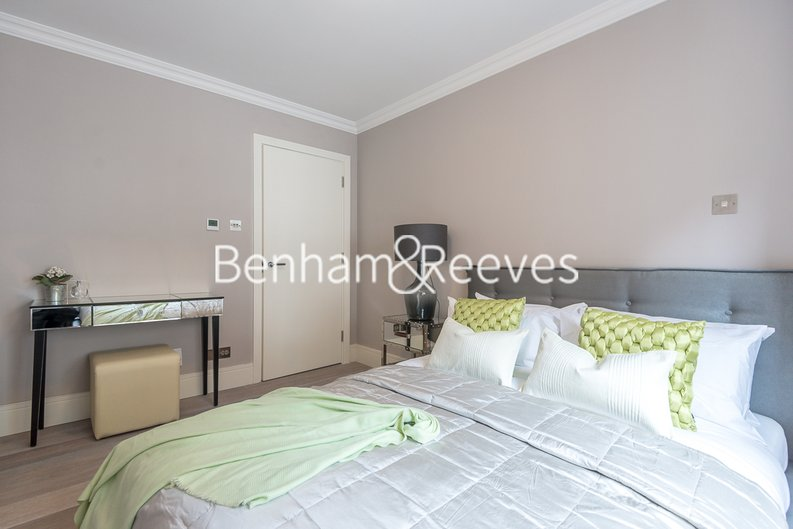 1 bedroom(s) apartment to sale in Clarges Mews, London-image 7