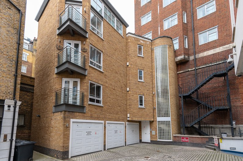 1 bedroom(s) apartment to sale in Clarges Mews, Mayfair-image 10