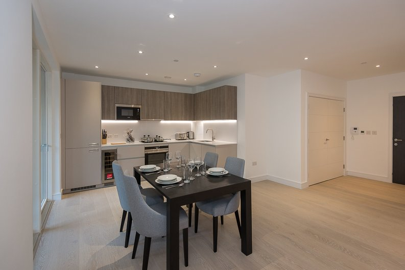 2 bedroom(s) apartment to sale in The Avenue, Brondesbury Park, London-image 8