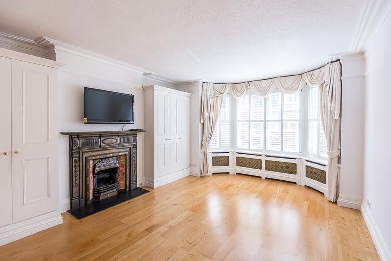 6 bedroom(s) house to sale in Glenloch Road, Belsize Park, London-image 4