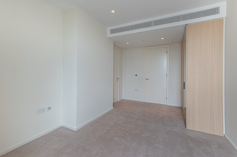 1 bedroom(s) apartment to sale in Lillie Square, Earls Court, London-image 4