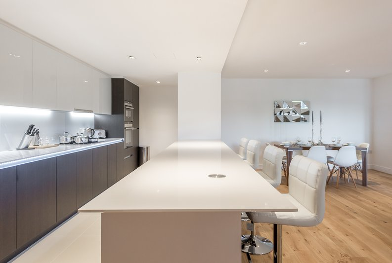 2 bedroom(s) apartment to sale in Rothschild House, Kew Bridge Road, Kew, Brentford-image 6