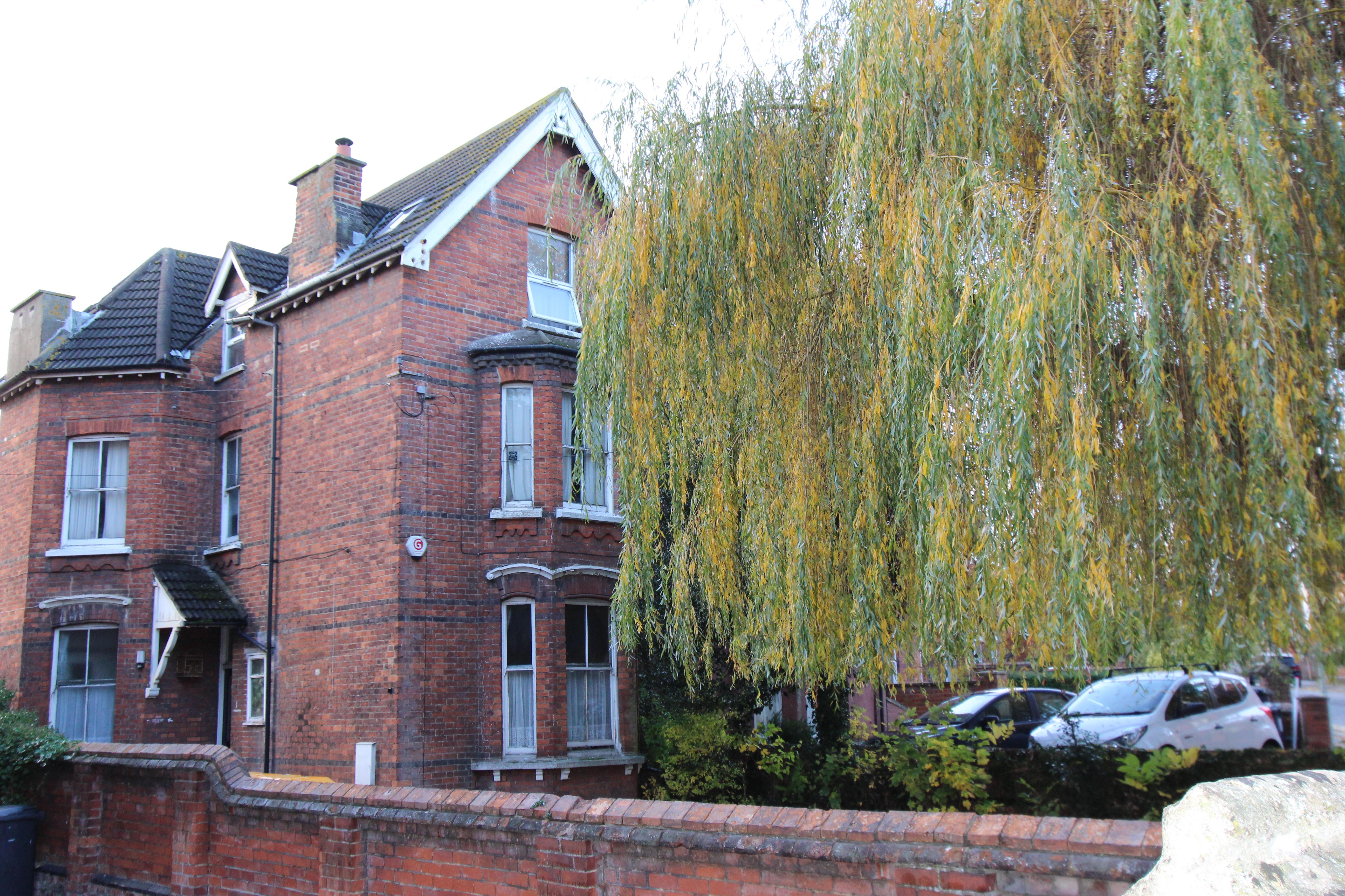 Lansdowne Road, Bedford Image