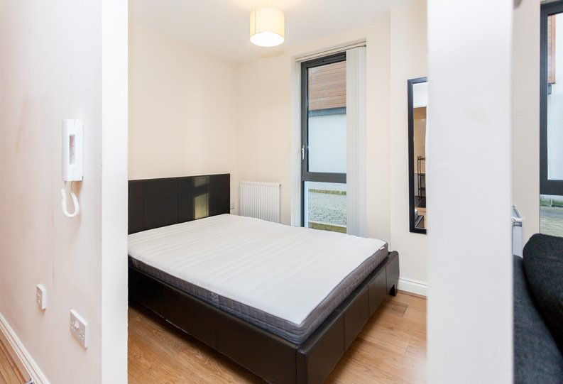 1 bedroom(s) apartment to sale in Conrad Court, 2 Needleman Close, Colindale Gardens, Colindale-image 4