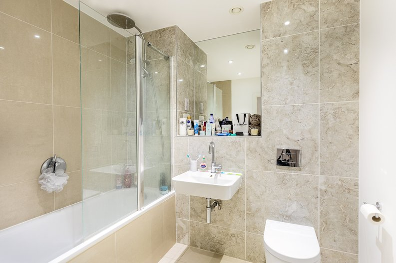 1 bedroom(s) apartment to sale in Cityview Point, Leven Road, Poplar-image 12