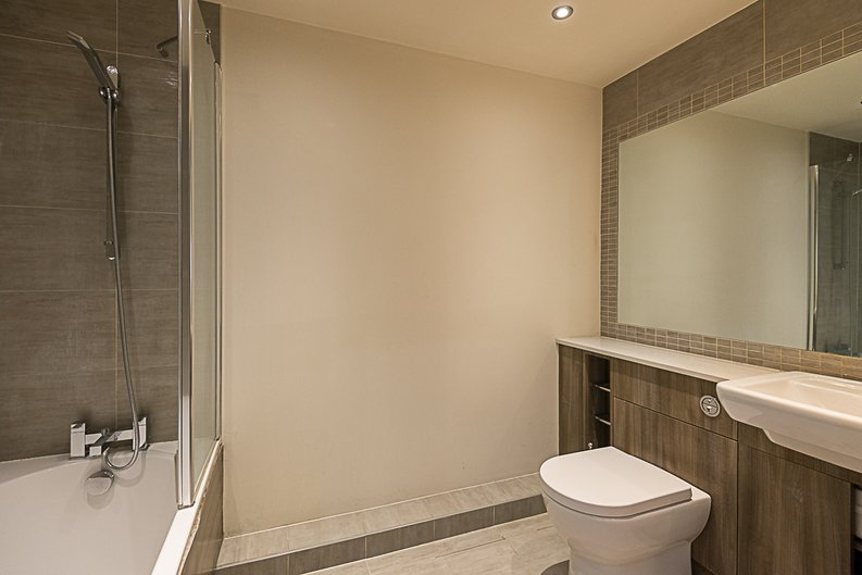 1 bedroom(s) apartment to sale in Cavendish House, Boulevard Drive, Colindale, London-image 4