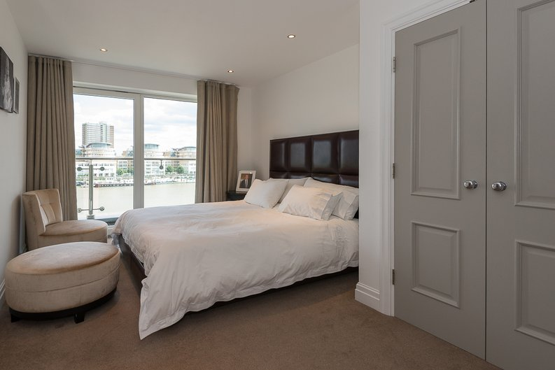 3 bedroom(s) apartment to sale in Riverside Tower , Imperial Wharf , London-image 7