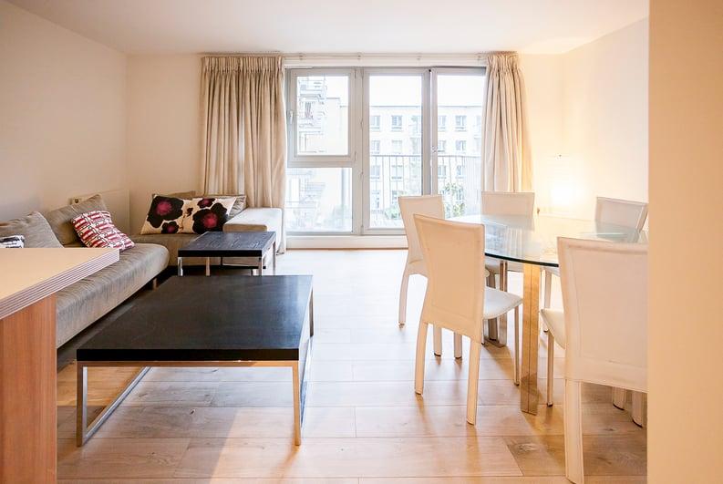 2 bedroom(s) apartment to sale in Eden Grove, Islington, London-image 6