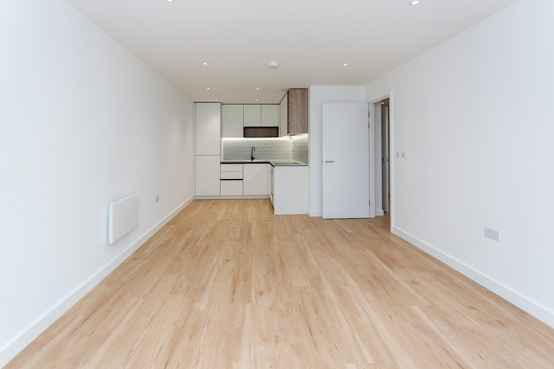 2 bedroom(s) apartment to sale in Fairbank House, 13 Beaufort Square, Beaufort Park-image 7