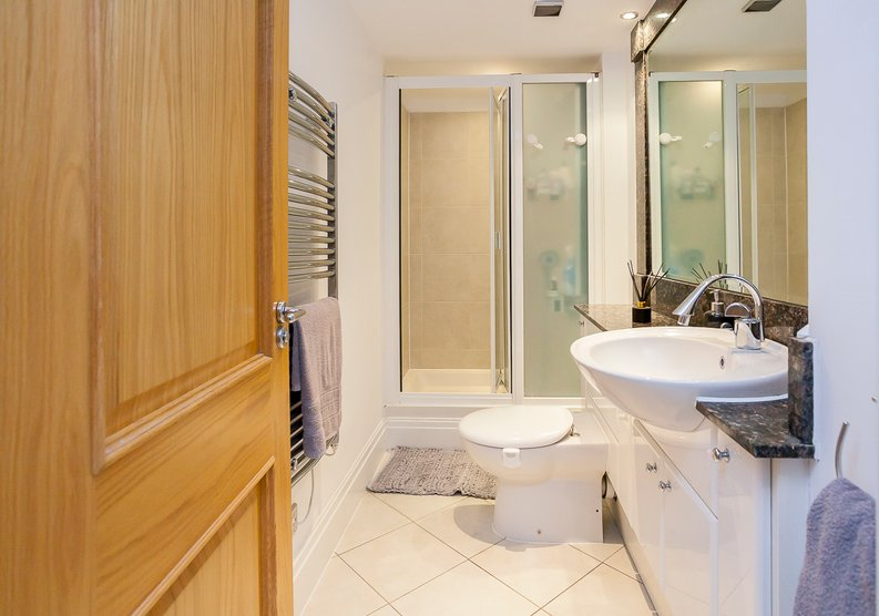 2 bedroom(s) apartment to sale in Chelsea Vista, The Boulevard, Imperial Wharf, Fulham-image 8