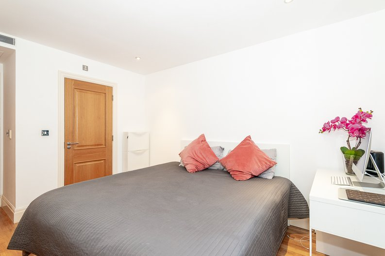 2 bedroom(s) apartment to sale in Harbour Reach, Imperial Wharf, London-image 12