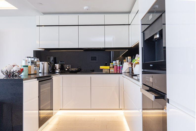 3 bedroom(s) apartment to sale in The Corniche, Albert Embankment, Vauxhall-image 4