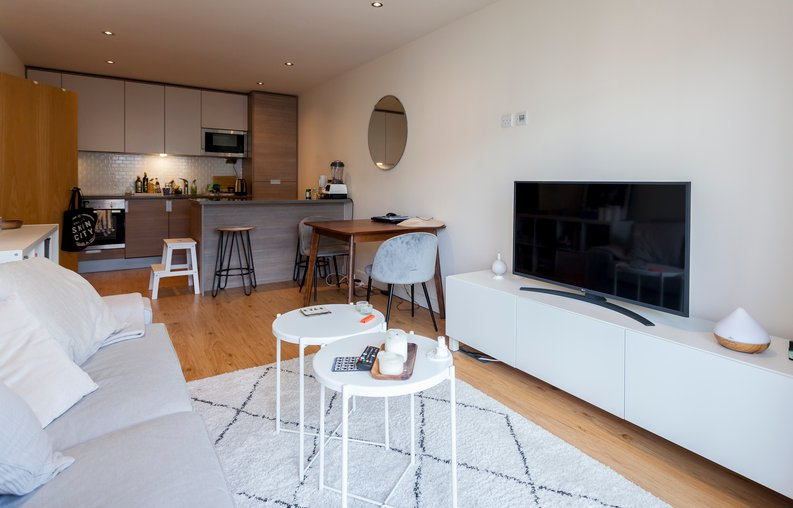 2 bedroom(s) apartment to sale in Croft House, 21 Heritage Avenue, Beaufort Park, Colindale-image 6