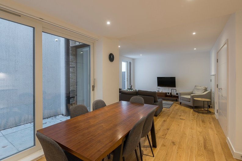 3 bedroom(s) house to sale in Hand Axe Yard, Kings Cross, London-image 15