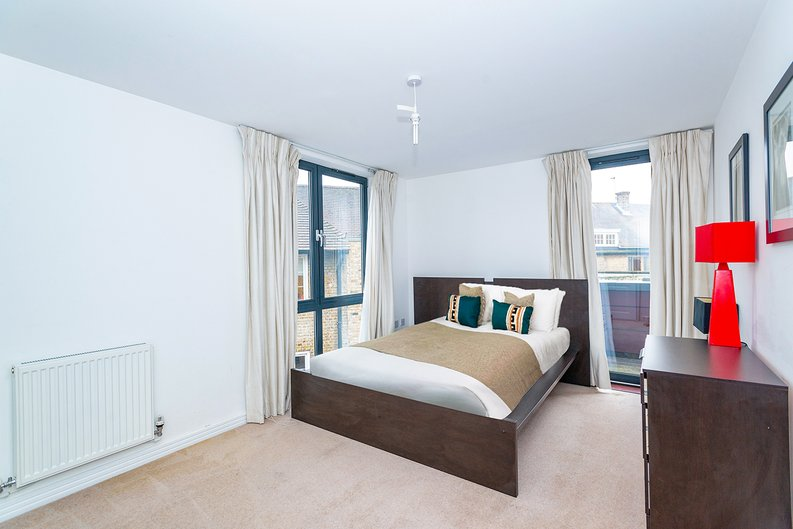 3 bedroom(s) apartment to sale in Annabel Close, Poplar, London-image 3