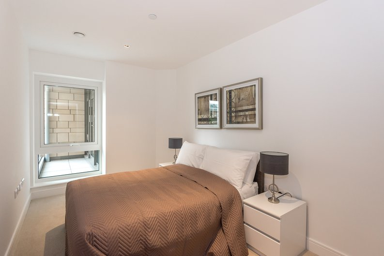 2 bedroom(s) apartment to sale in Dashwood House, Dickens Yard, Longfield Avenue, Ealing, London-image 3