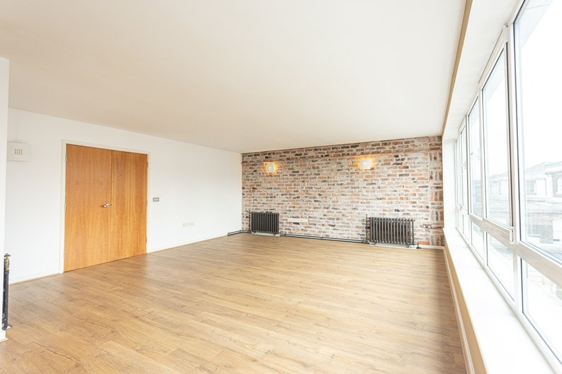 2 bedroom(s) apartment to sale in Hopton Road, Woolwich, London-image 16