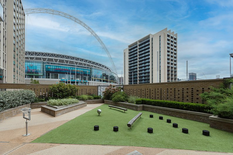 3 bedroom(s) apartment to sale in Olympic Way, Wembley, Greater London, London-image 18