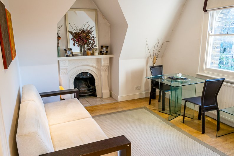 2 bedroom(s) apartment to sale in Crescent Road, Crouch End, London-image 3