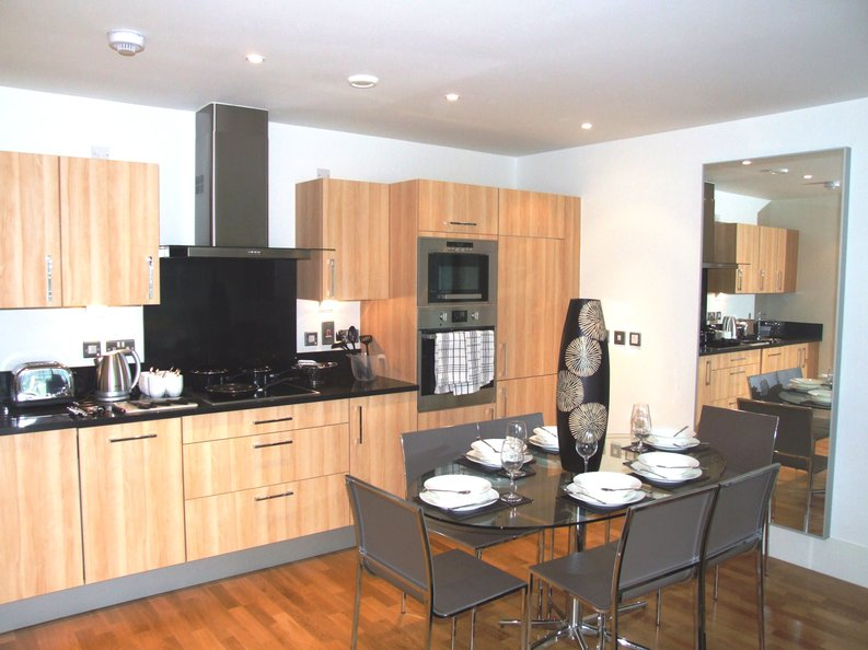 2 bedroom(s) apartment to sale in Southstand Apartments, Highbury Stadium Square, Highbury-image 4