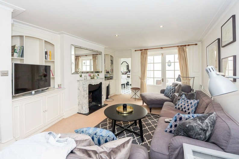 3 bedroom(s) house to sale in Trident Place, Old Church Street, Chelsea, London-image 3