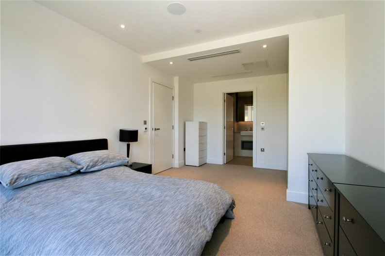 2 bedroom(s) apartment to sale in Westbourne Apartments, 5 Central Avenue, Fulham , London-image 8