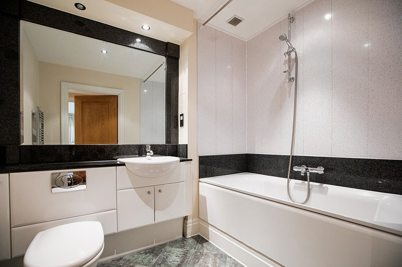 2 bedroom(s) apartment to sale in Aspect Court, Imperial Wharf, Fulham-image 4