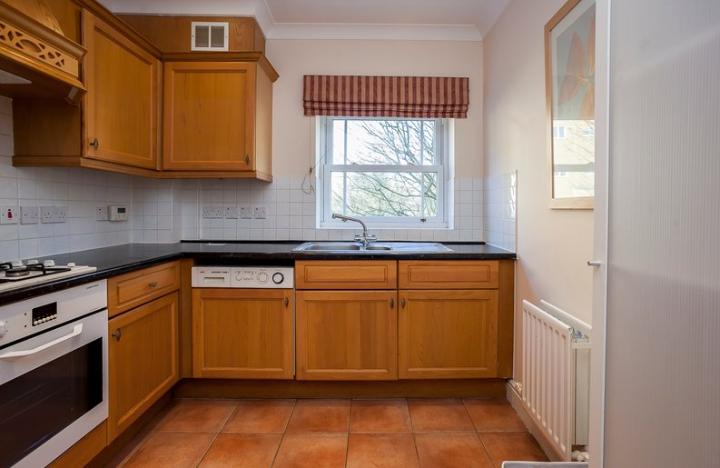 2 bedroom(s) apartment to sale in Trinity Church Road, London-image 5