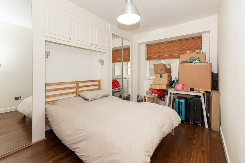 2 bedroom(s) apartment to sale in Thurlow Road, Hampstead, London-image 3