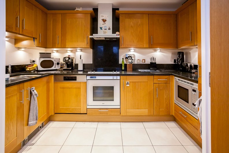 2 bedroom(s) apartment to sale in Chelsea Vista, The Boulevard, Imperial Wharf, Fulham-image 5
