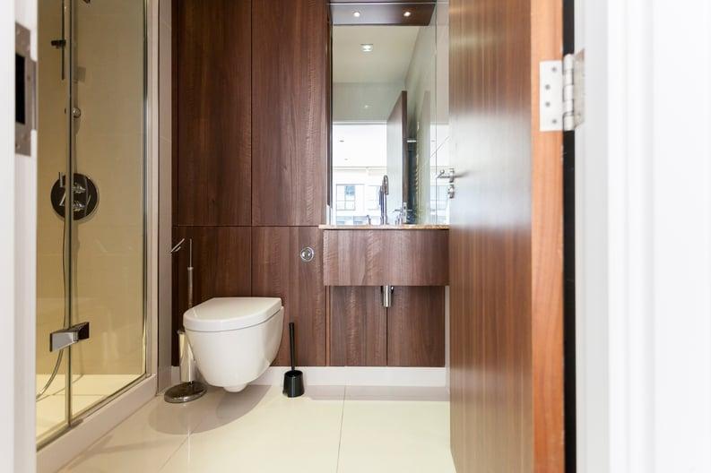 2 bedroom(s) apartment to sale in Belgravia House, Dickens Yard, Ealing-image 5