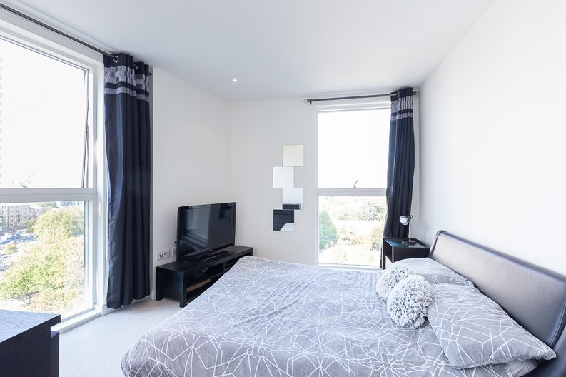 2 bedroom(s) apartment to sale in Hyperion Tower, Pump House Crescent, Greater London, Brentford-image 6