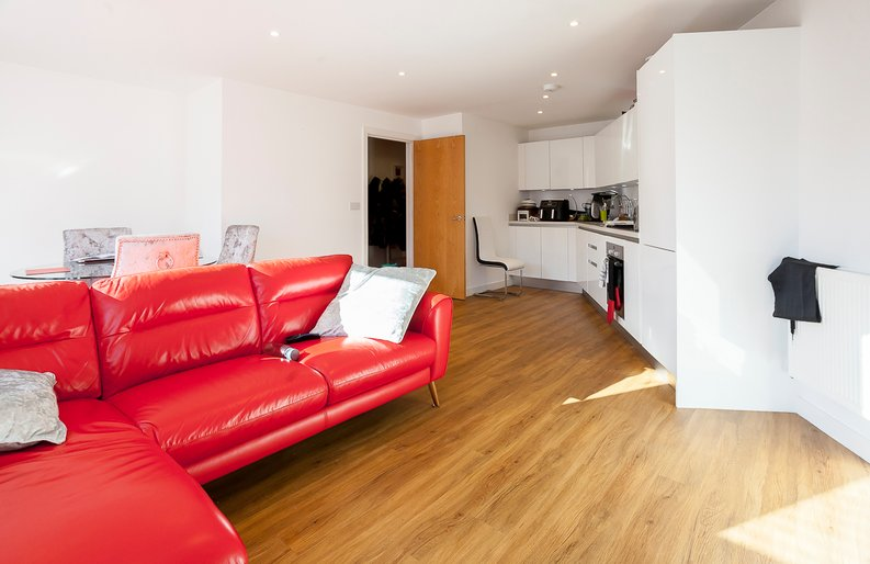 1 bedroom(s) apartment to sale in Clement Court, Howard Road, Greater London, Stanmore-image 2