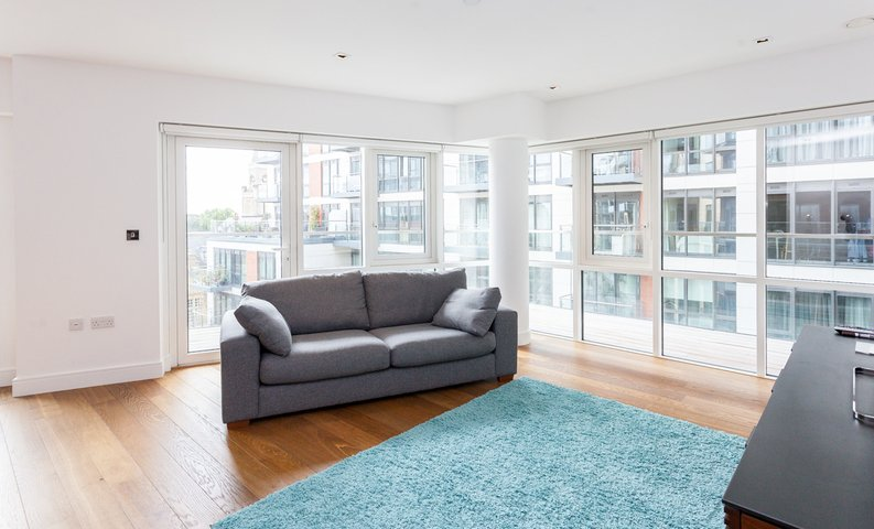 2 bedroom(s) apartment to sale in Skyline House, Dickens Yard, Longfield Avenue , London-image 7