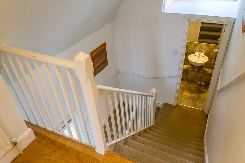 2 bedroom(s) apartment to sale in Crescent Road, Crouch End, London-image 5