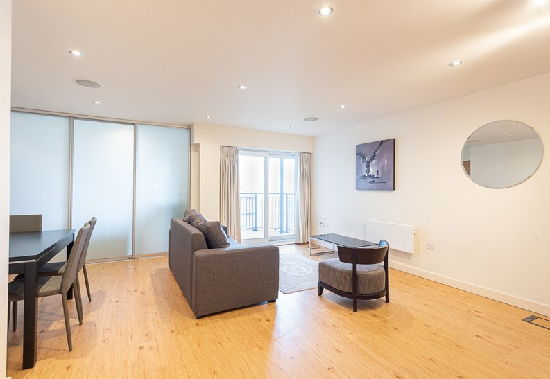 Studio apartment to sale in East Drive, Colindale, London-image 10