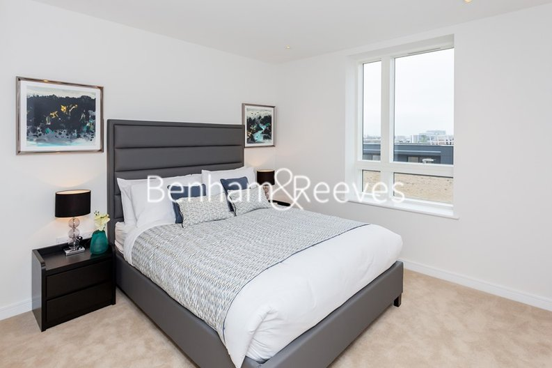 1 bedroom(s) apartment to sale in Heritage Place, Greater London, Brentford-image 3