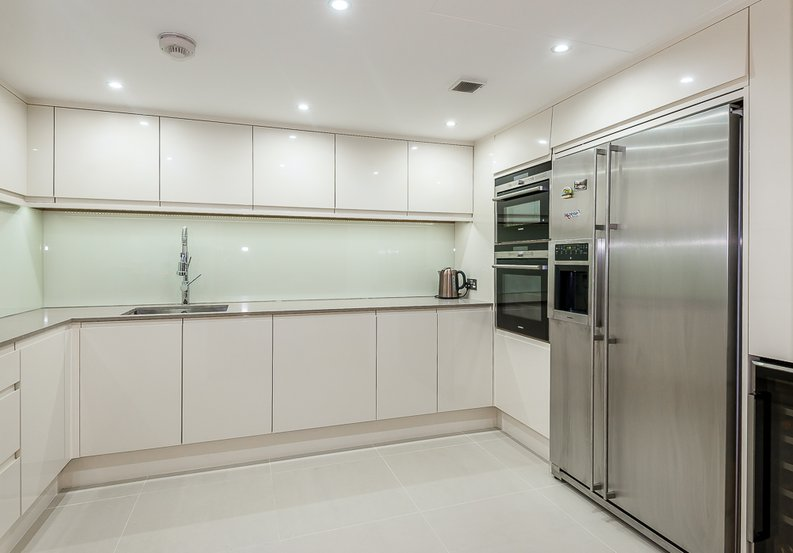 3 bedroom(s) apartment to sale in Dolphin House, Lensbury Avenue, Imperial Wharf, Fulham-image 7
